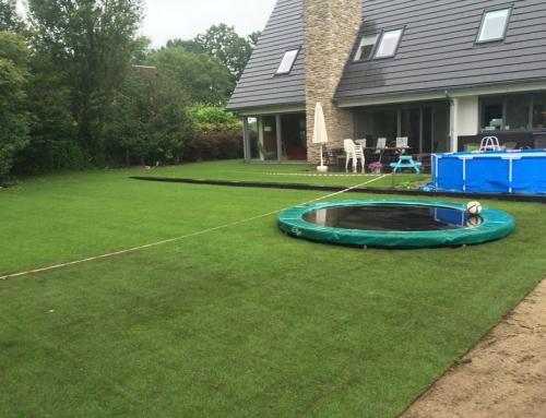 Graszoden leggen in Elshout